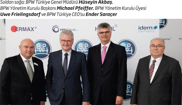 Soldan sağa; BPW Türkiye Genel Müdürü Hüseyin Akbaş, BPW Yönetim Kurulu Başkanı Michael Pfeiffer, BPW Yönetim Kurulu Üyesi Uwe Frielingsdorf ve BPW Türkiye CEO'su Ender Saraçer