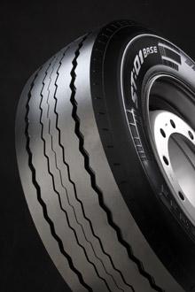 Pirelli'den Yeni Treyler Lastik Serisi: ST:01 Base